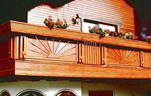 balkon gel nder holz selbst heimdesign innenarchitektur. Black Bedroom Furniture Sets. Home Design Ideas